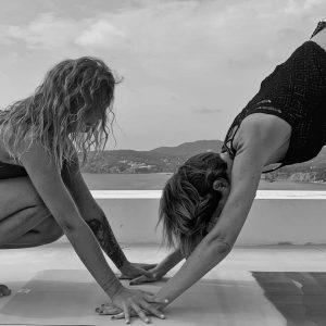 cours yoga pratique professeur élève