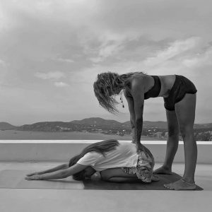 cours pratique yoga professeur élève